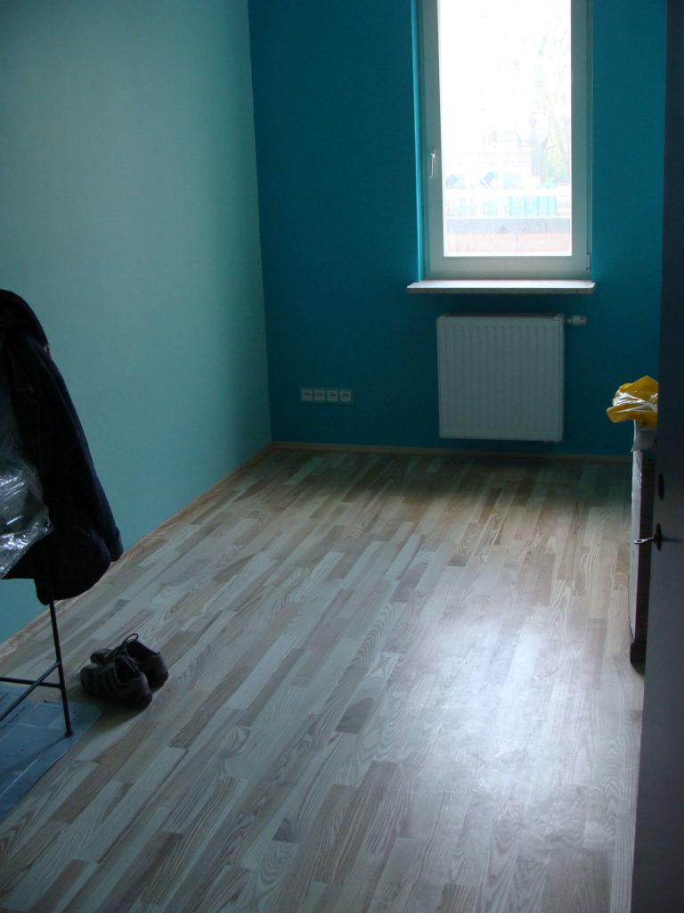 wykonanie podłogi drewnianej