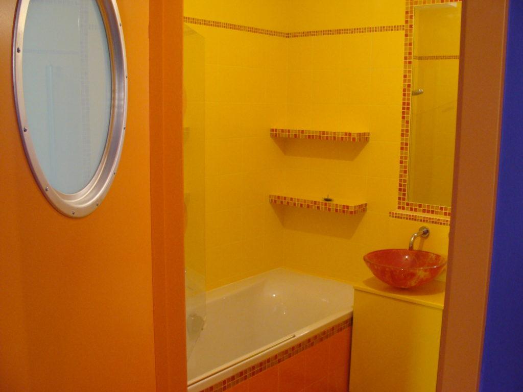 skończona łazienka mozaika na wannie