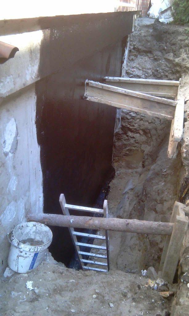 Wykopanie fundamentu pod izolację