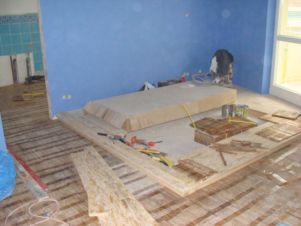 budowa parkietu do łóżka